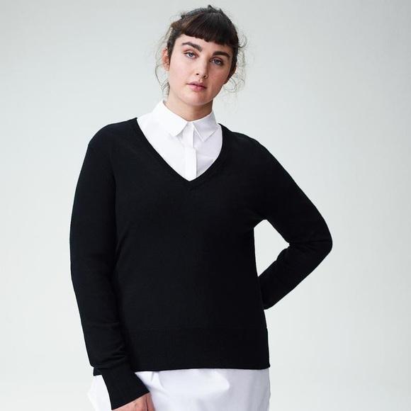 713c044796 Universal Standard merino wool V-neck black 18 NEW